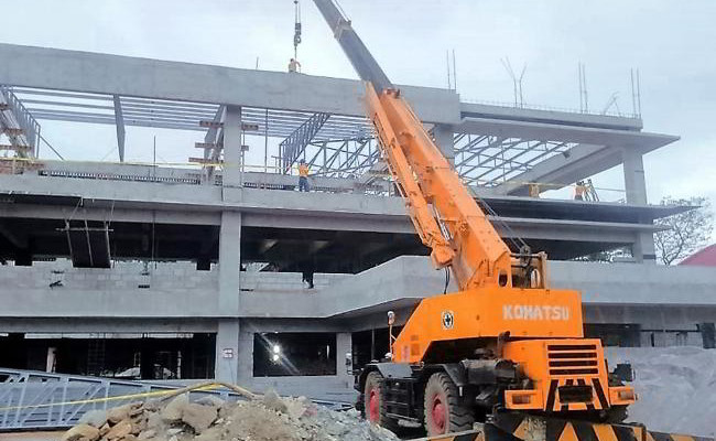 Leasing of 25 Tons Rough Terrain Crane
